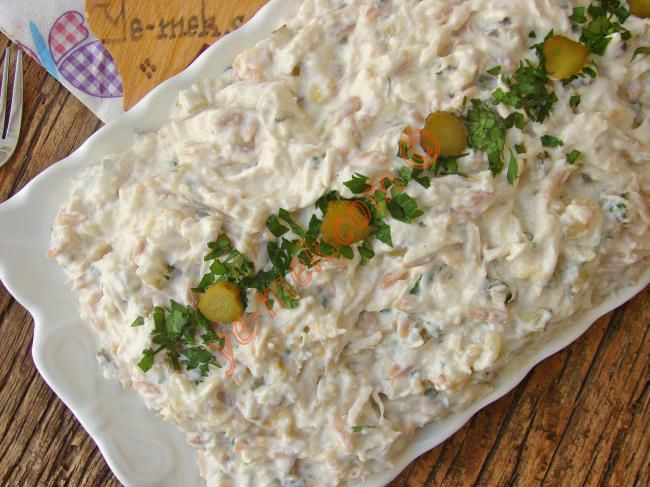 Köz Patlıcanlı Tavuk Salatası