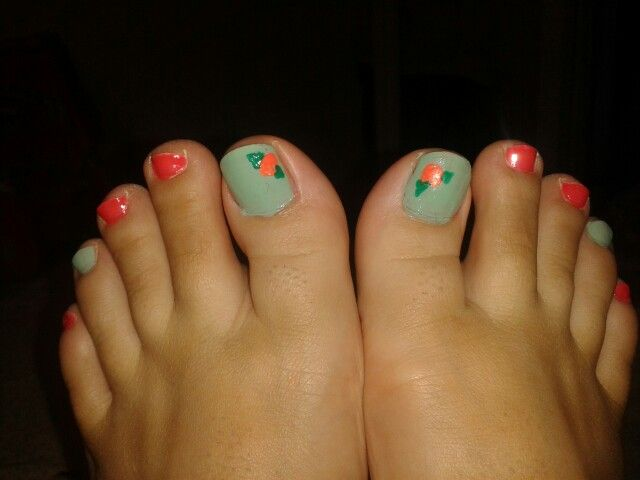 Floral toes