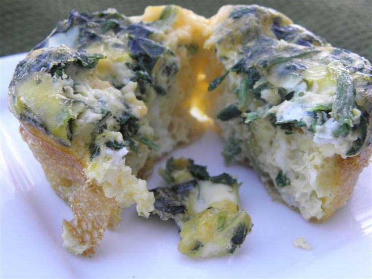 Bacon, Egg, and Spinach Mini Quiches OR Egg and Spinach Mini Quiches - Calorie count and ingredients are given for both.