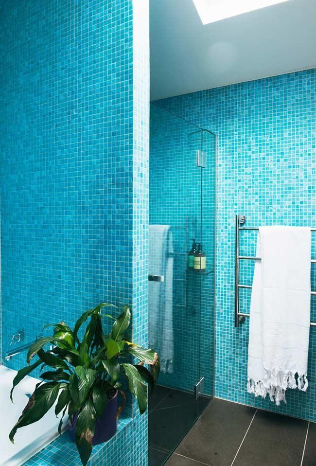 Blaues Badezimmer Ideen Und Tipps Um Die Umgebung Mit Dieser Farbe Zu Dekorieren Mit Bildern Blaues Badezimmer Badezimmer Turkis Badezimmer