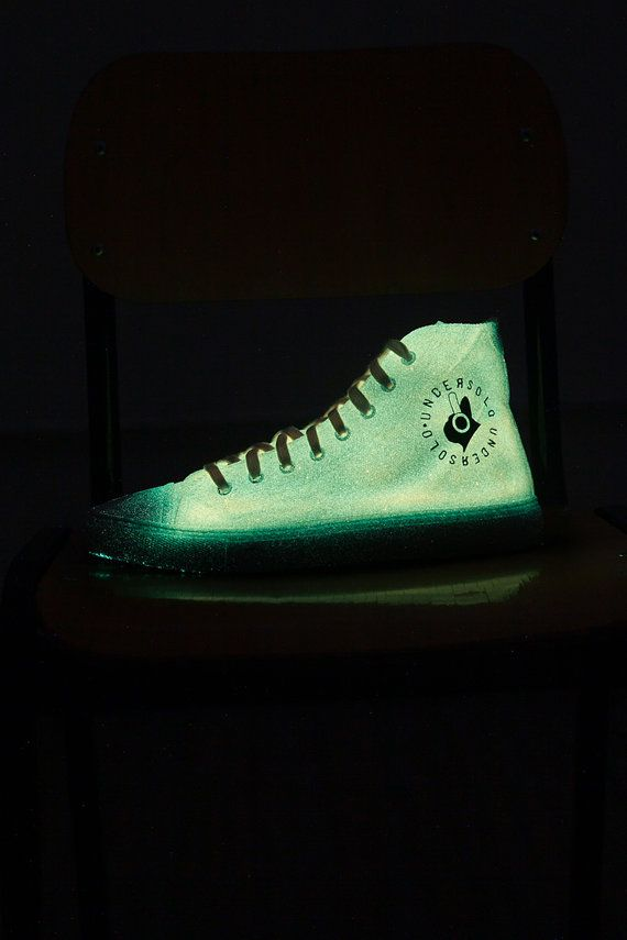 Luminescent sneakers orange airbrushed by hand. Made in Italy #etsy #etsyshopper #etsyseller #sneakers #fashion #shoes #men #women