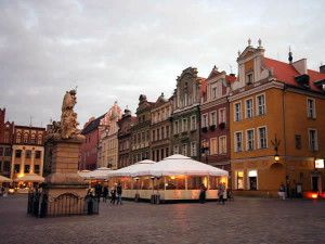 Stary Rynek, Poznan, Polônia. Autor Lvova Anastasiya. Licensed under the Creative Commons Attribution-Share Alike