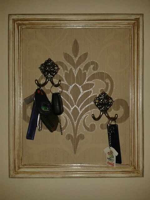 Keys holder. Diy. Photo frame makeover.