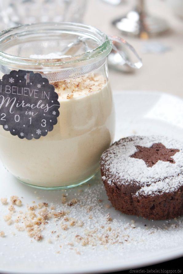 Fondant au chocolat und eine Mousse vom Haselnuss-Baileys mit selbstgemachten Haselnuss-Krokant http://dreierlei-liebelei.blogspot.de