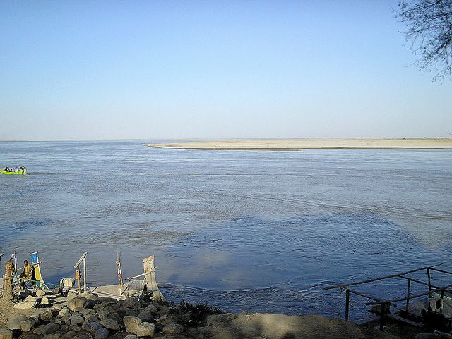 The Indus River at Dera Ismail Khan in Khyber Pakhtunkhwa, Pakistan - February 2011 | Flickr - Photo Sharing!