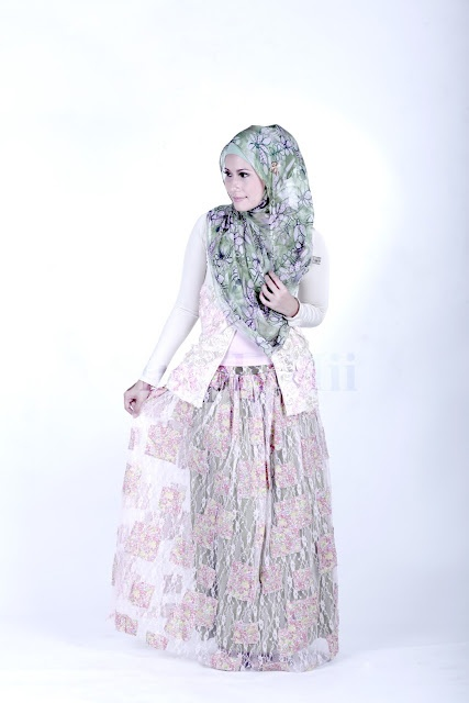 SimplyMii - Sofie Rose Cardigan -  All Size  | Sofie Lace Skirt - LimeBerry IDR 25O.OOO (Size S-M and M-L)