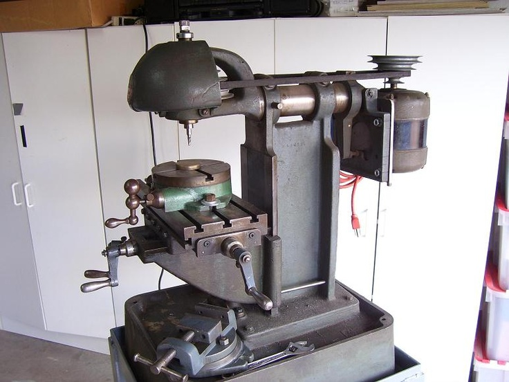 Benchmaster Knee style Milling Machine