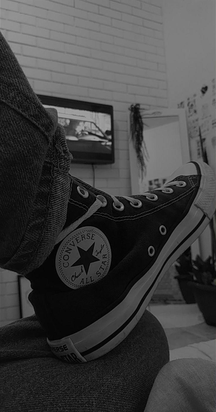 Pin Oleh Paula Grant Di Vans Converses Sepatu Fotografi
