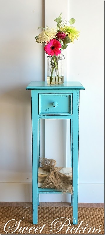 I'm going to paint a table turquoise someday!