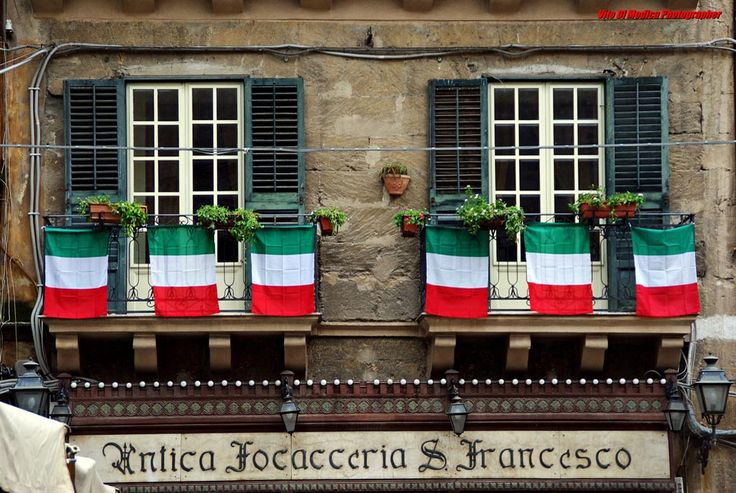 Day 2 - A stop for a food surprise in the famous Antica Focacceria San Francesco