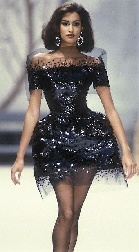 Yasmeen Ghauri Chanel Autumn Winter 1991 Couture