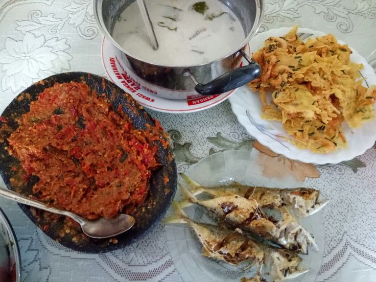 Indonesian Homestyle cooking (Sayur lodeh, prawb crackers, fried fish,  sambal)