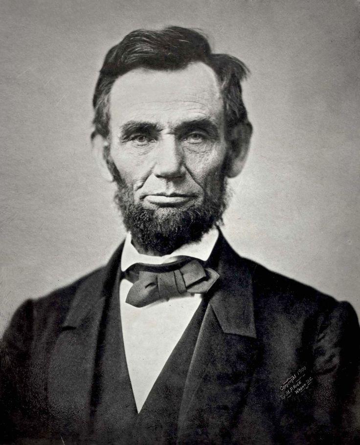 Abraham Lincoln (1809 - 1865), decimosexto presidente de los Estados Unidos.  Introdujo medidas que dieron como resultado la abolición de la esclavitud.