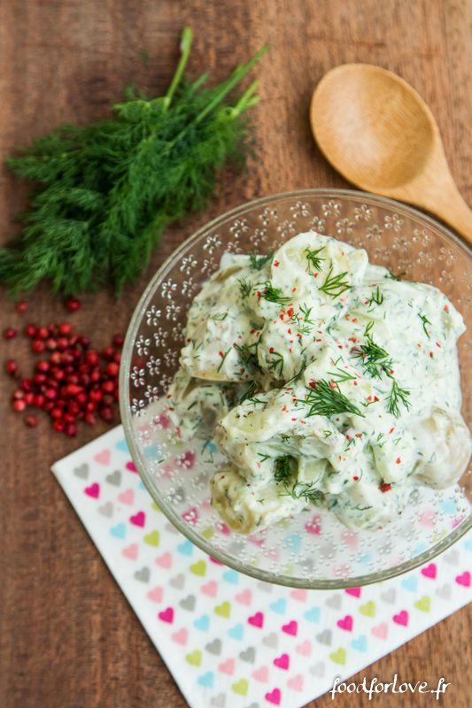 J'adore la salade de pommes de terre et j'adore la salade de concombre. Je me suis dit qu'au final, les marier, ça pourrait être plutôt pas mal et je ne me
