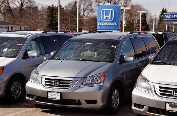 How to Convert a Honda Minivan to a Camper