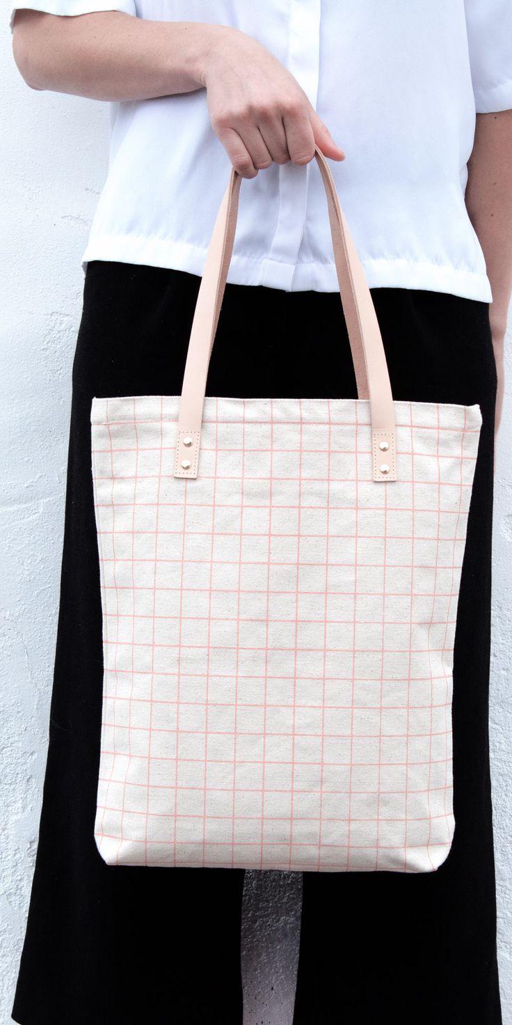 Tote Bag - Inside the Grid Tote by VIDA VIDA 5agRMKD