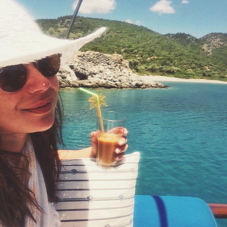 Travel Blogger Nadia El Ferdaoussi Yoga Turkey