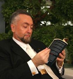 Barışın bir dili vardır. Nezaket dili, sevgi dili, şefkat dili.   (A9 TV; 24 Kasım 2012)