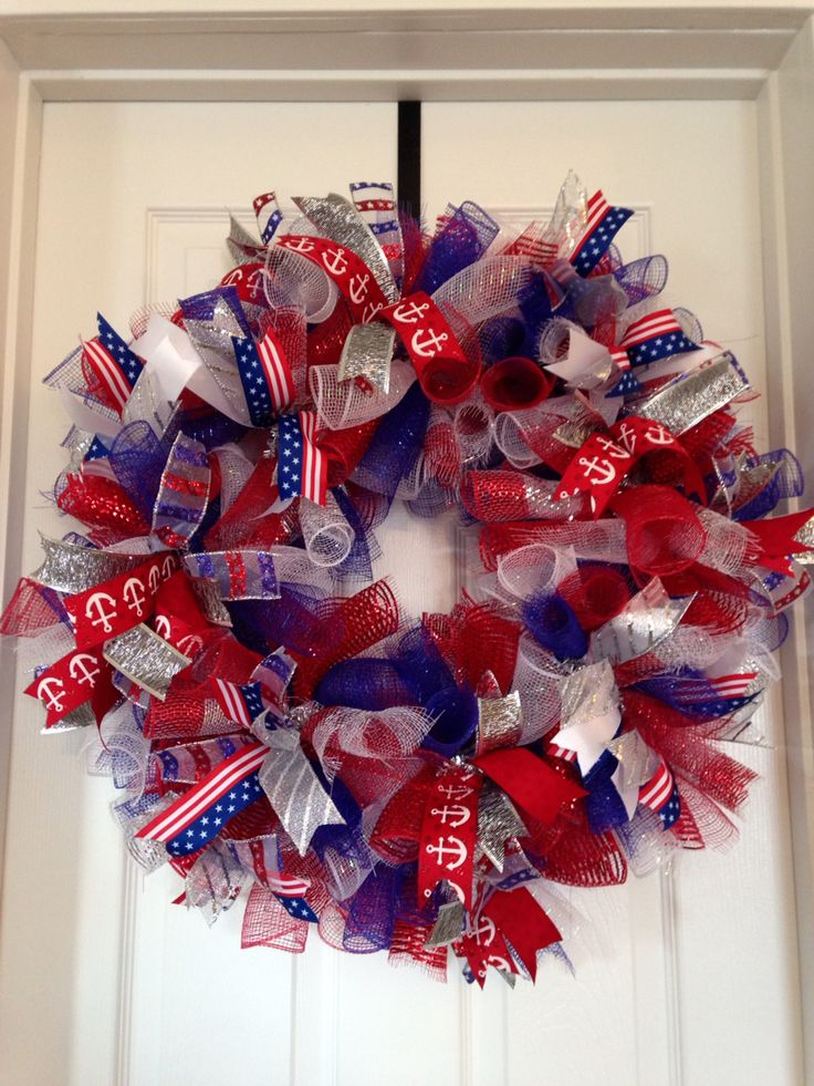 Small Patriotic Wreath Wreaths Patriotic Wreath How To Make Wreaths