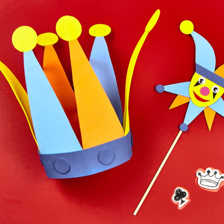 Kids can become a character in their own fairy tale when they make this Camp Creativity Castles and Princesses: Court Jester hat