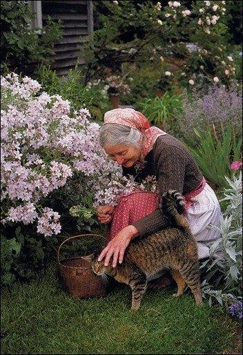 Tasha Tudor in her gardens