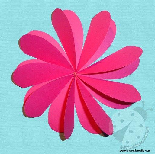 Un semplice fiore facile da realizzare con i cartoncini colorati. Idea da tenere presente come lavoretto per la Primavera e per la Festa della Mamma. LAVOR