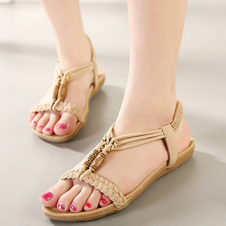 EUR Size US Size Heel to Toe(cm)   35 5 22.5   36 6 23   37 6.5 23.5   38 7.5 24   39 8.5 24.5   40 9 25   41