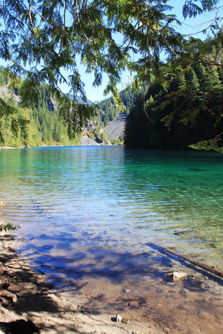 Lindeman Lake - I did the short version of this hike in December 2011, it is stunning when you reach the first lake! So peaceful and calm.