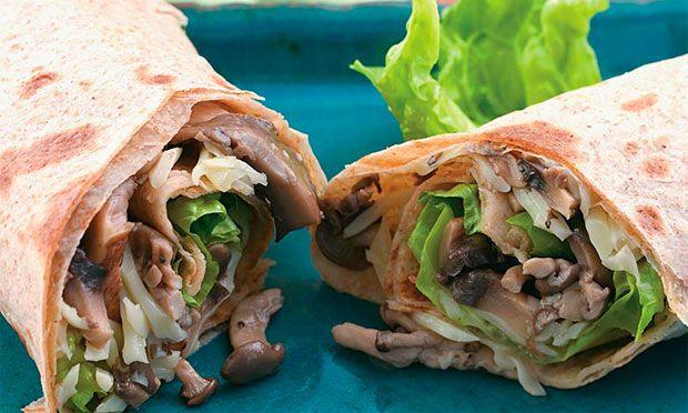 Receita de Wrap de cogumelo com queijo - Sanduíche - Dificuldade: Fácil - Calorias: 261 por porção