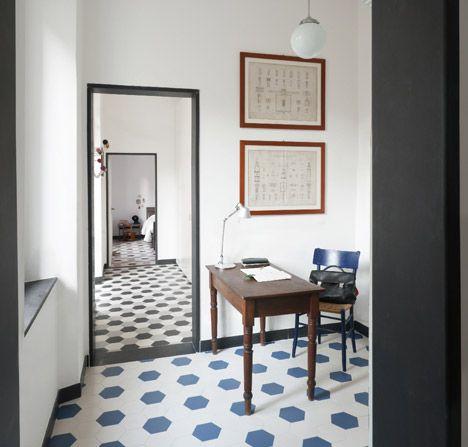 ,Polka Dots, Casa G S, Floors Tile, Casa Gs, Tile Floors, Interiors Design, Doors Frames, Bathroom, Tile Pattern