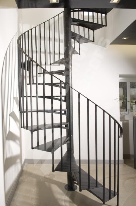 les 25 meilleures id es de la cat gorie escalier en kit. Black Bedroom Furniture Sets. Home Design Ideas