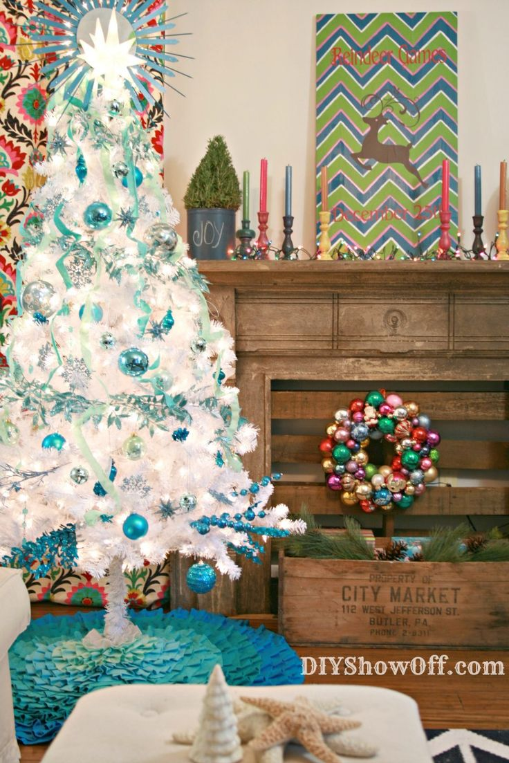 colorful eclectic Christmas and a Christmas tree link up.
