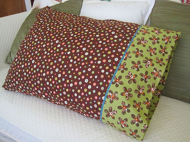 Great tutorial on making a pillow case