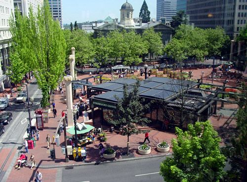 Project for Public Spaces | The Power of 10: strong public spaces should have at least 10 things to do or 10 reasons to be there