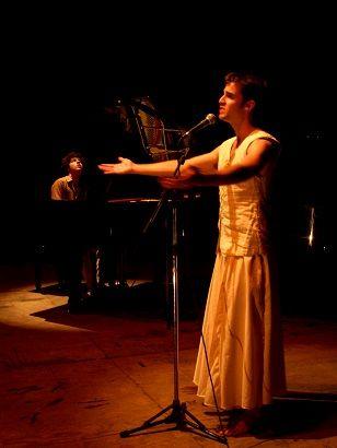 """O espetáculo musical """"O mar e o sertão"""" é fruto do encontro entre o pianista Henrique Eisenmann e o cantor e bailarino Lineker. Partindo de um olhar para a música de cultura popular presente nos folguedos e manifestações religiosas brasileiras, e ganha única exibição no Teatro Décio de Almeira Prado no dia 3 de agosto,...<br /><a class=""""more-link"""" href=""""https://catracalivre.com.br/geral/rede/barato/o-mar-e-o-sertao/"""">Continue lendo »</a>"""