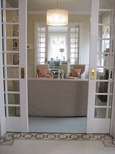 one day i will have these pocket doors... LOVE
