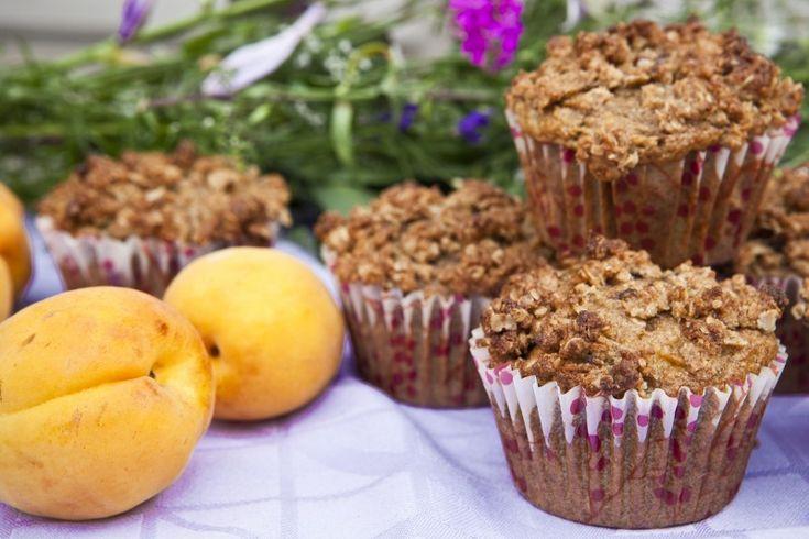 Muffiny s meruňkami a mandlovo-ovesnou drobenkou