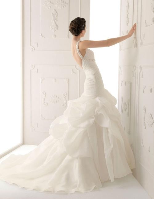 Alma Novia Wedding Dresses