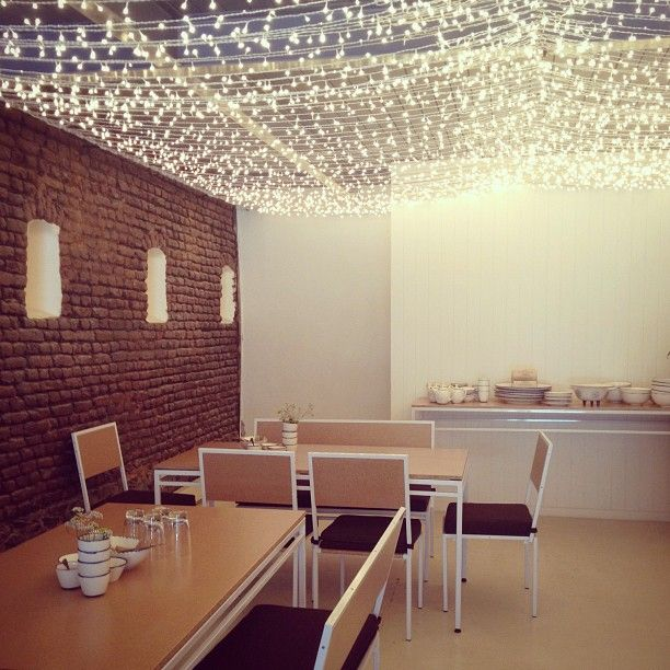 lighting at merchants cafe (photo by miss moss)