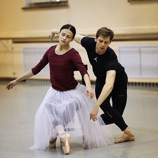 fortheloveofvaganova:  Kristina Shapran and Vladimir Shklyarov rehearsing Le Spectre de la Rose at the Mariinsky   Photo by S. Avvakum
