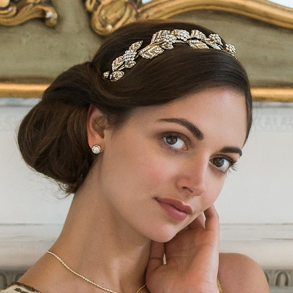 Embrace the beauty of a Grecian goddess with our Gold Leaf Side Tiara. Glitzy Secrets has an exquisite selection of wedding side tiaras online.