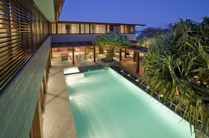 Tropical Albatross Residence by BGD Architects