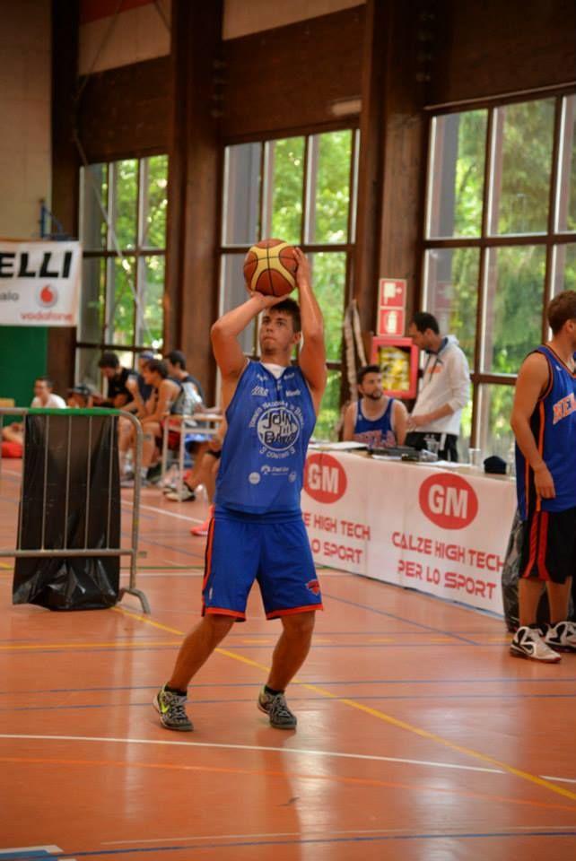 La 5° edizione di #FiemmeStreetBasket è stata un gran successo anche grazie alla passione sincera del team organizzativo capitanato dal nostro #basket #socks #tester Luca Mich.