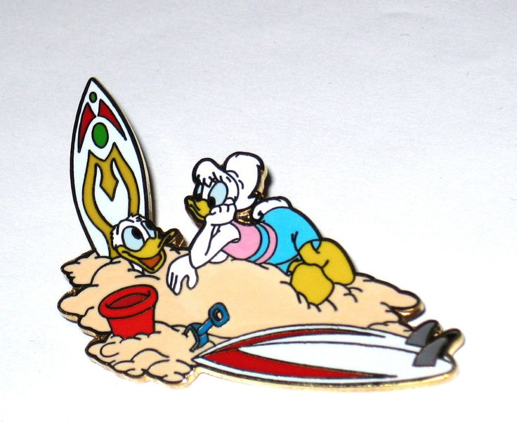 LE Disney Auction Pin Donald Duck Daisy Surf Ocean Beach