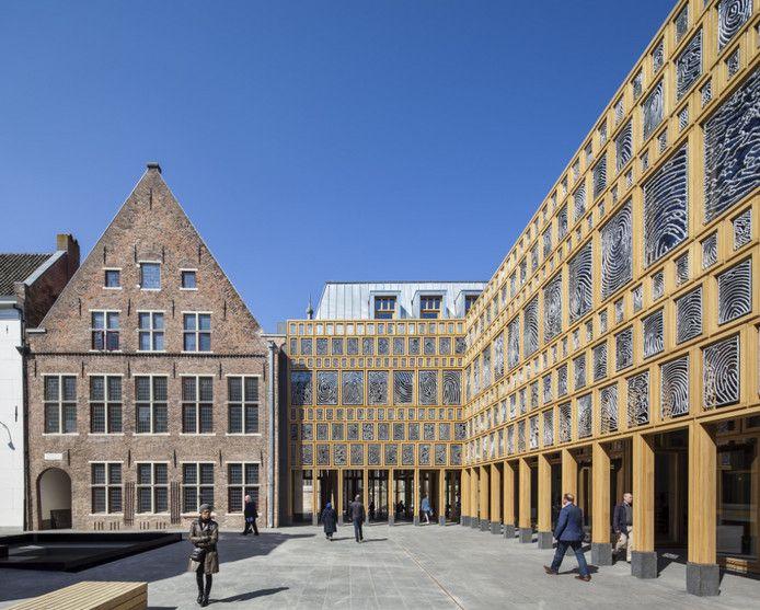 Het stadhuis van Deventer.