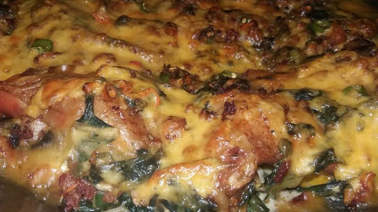Smothered Chicken in Creamed Spinach with Bacon, Cheese and Mushrooms – Absolutely divine! This is Top Restaurant Quality! - Enjoy! WinningRecipesBlog.blogspot