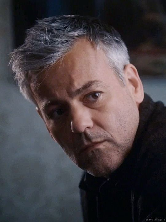 Edit of Rupert Graves as John Warren in The Family S01E09