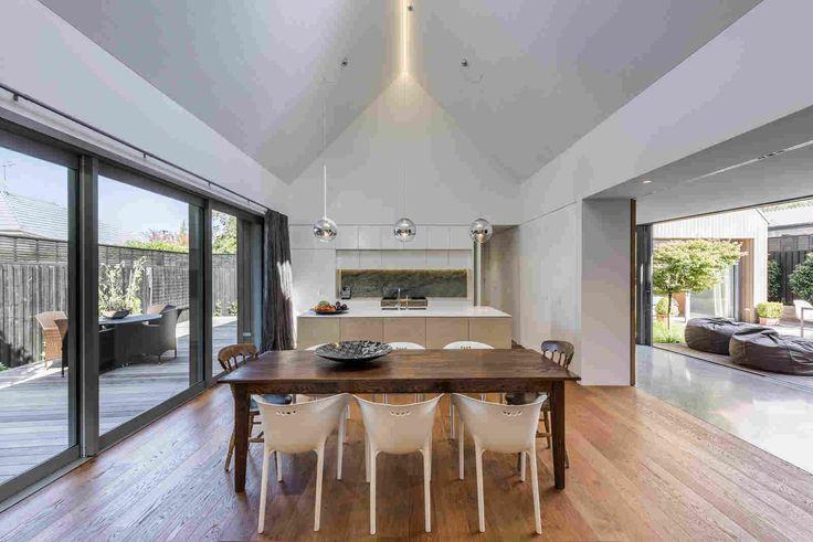 Четыре объёма одного дома в Новой Зеландии