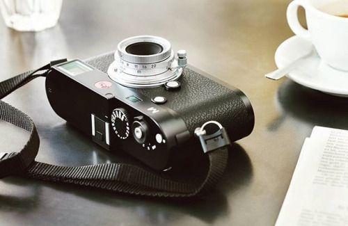 Друзья хотим напомнить что на сайте http://ift.tt/2nuSAJd можно оформить подписку на наши #новости (активная ссылка в профиле). #Информация о выпуске новой продукции программных обновлениях о наших акциях специальных предложениях а также о новых фотосъемках и интересных событиях в мире Leica будет своевременно поступать на ваш e-mail. На снимке: камера Leica M с новым сверхкомпактным объективом Leica Summaron-M 28 mm f/5.6 разработанным на основе оригинальной конструкции образца 1955 года…