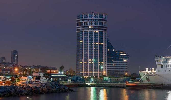 Radisson Blu Hotel, Istanbul Atakoy Beautifully situated by the Sea of Marmara, the Radisson Blu Hotel, Istanbul Atakoy provides scenic accommodation to guests visiting this exquisite area of our capital. Conveniently located between... #Hotel  #Travel #Backpackers #Accommodation #Budget